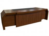 Стол письменный с кожаными вставками 290